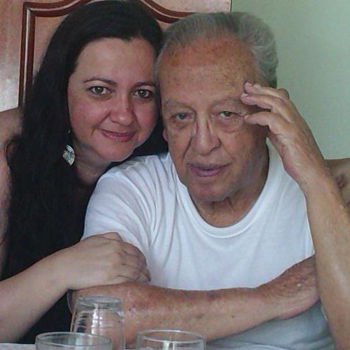 Minha irmã Verônica e meu pai (foto da família).