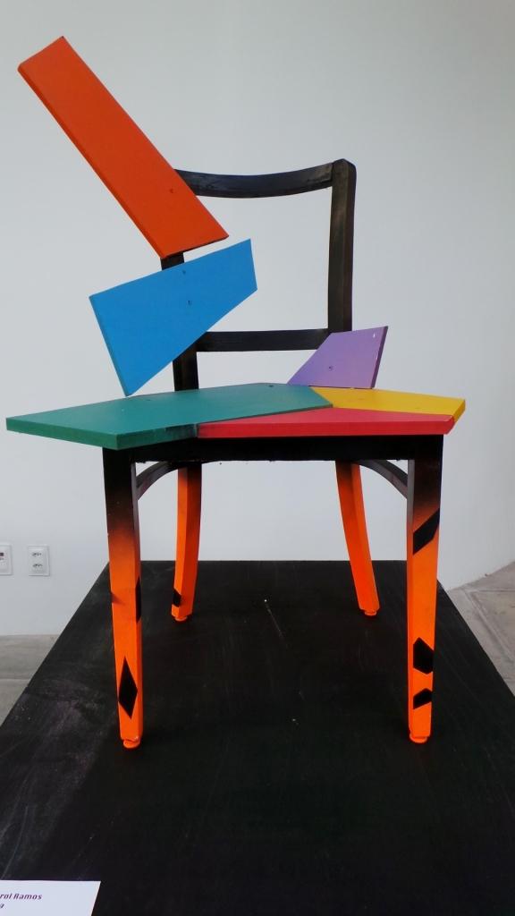Isto não é uma cadeira (Eric Gerhard e Ana Carol Ramos).