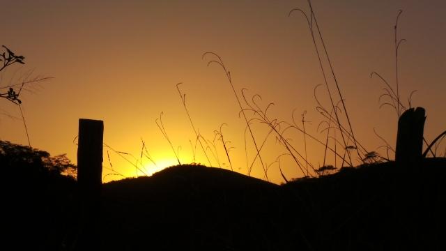 Pôr do sol na ES-484, em direção a São José do Calçado.