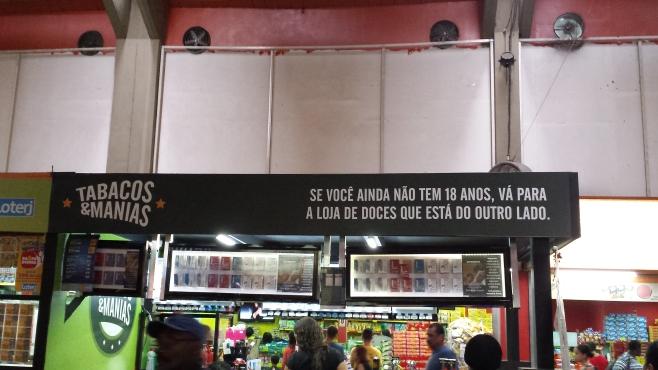 Quiosque de tabacos no Terminal João Goulart (foto do autor, via celular).