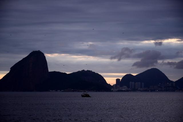 A partir de Icaraí (26/11/2015; 19h26).