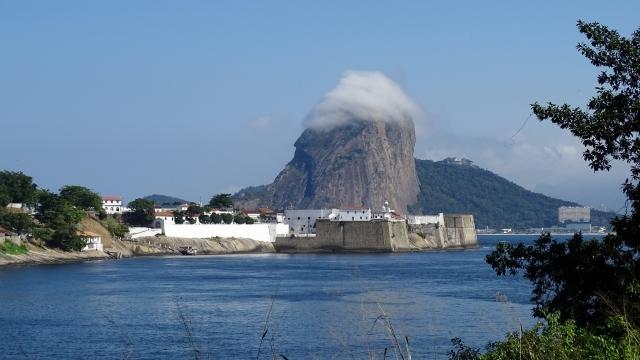 A partir da estrada de acesso à Fortaleza de Santa Cruz da Barra (12h42)