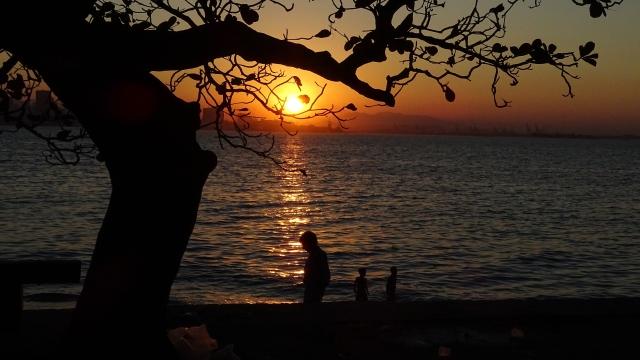 Pôr do sol na Praia do Gragoatá, Niterói-RJ (foto do autor).